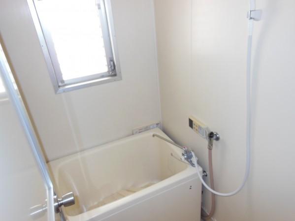 バランス釜からリフォームしたホールインワンタイプのお風呂 追い焚きあり